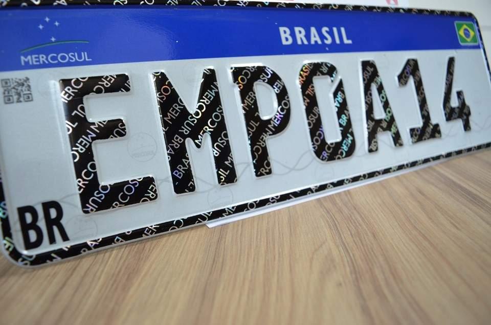 Veículos transferidos para o mesmo município não precisam de placa Mercosul, diz Denatran